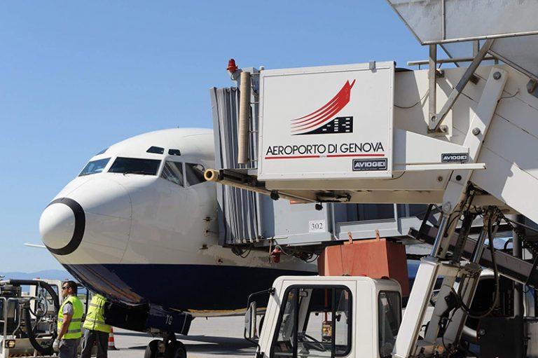 """Aeroporto Internazionale """"Cristoforo Colombo"""" di Genova"""